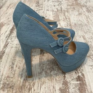 NWOT Quipid denim look heels